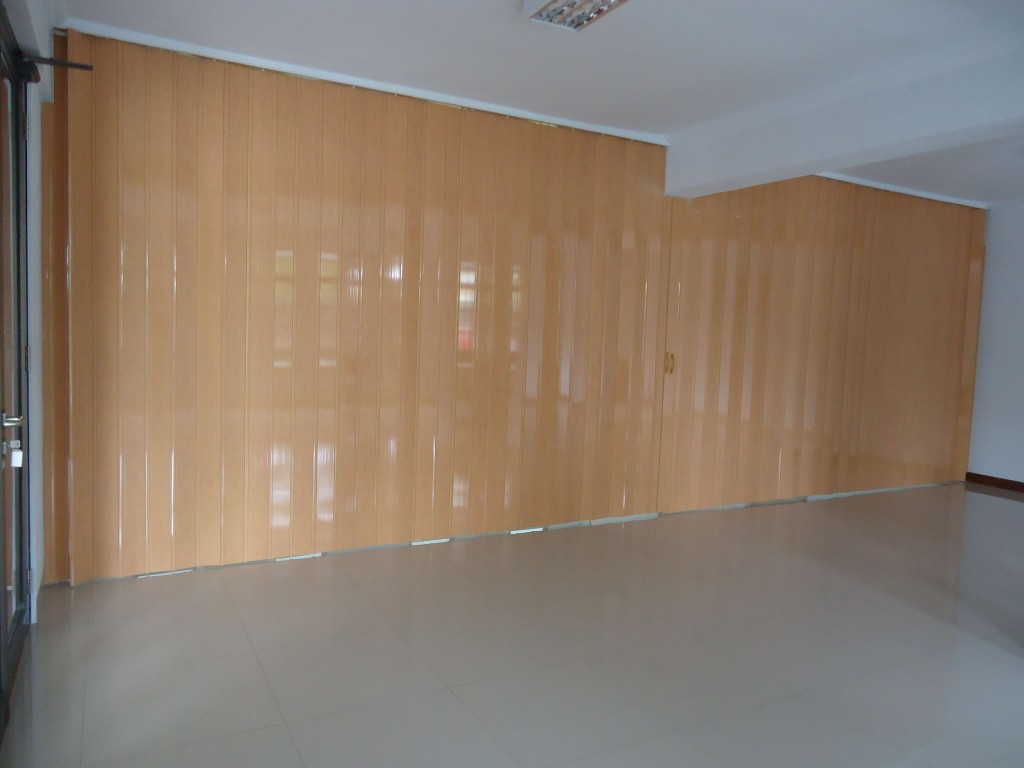 Folding door PVC jogja
