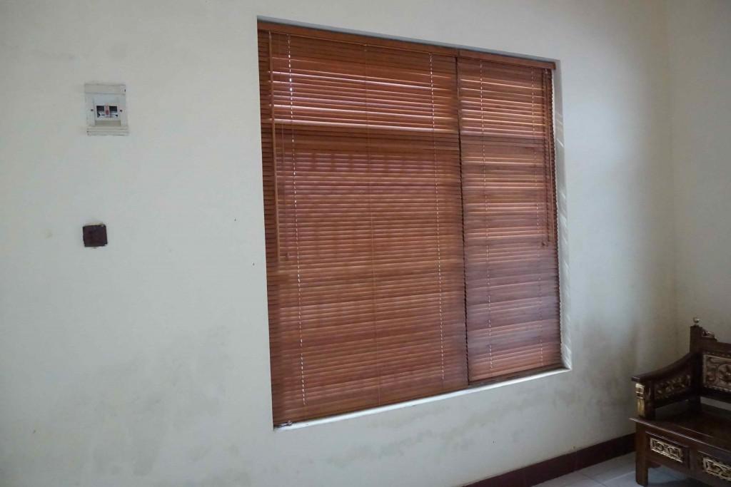 harga wooden blind