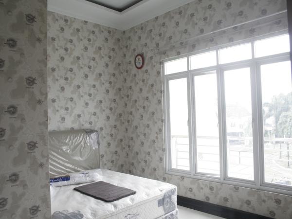 harga wallpapper untuk rumah minimalis