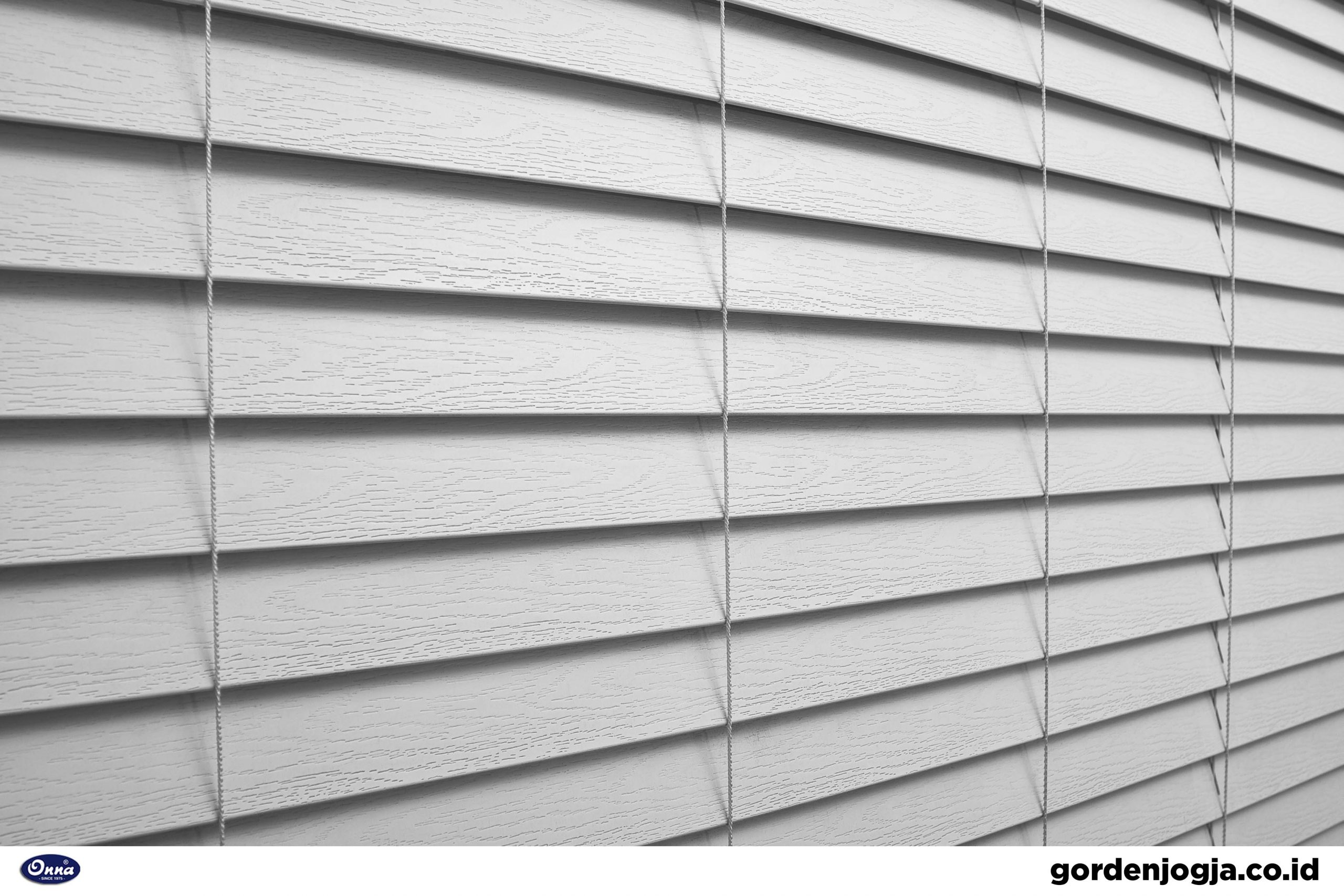 tirai outdoor UV blind