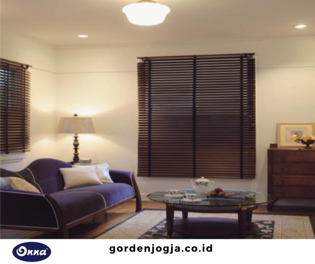 wooden blinds onna