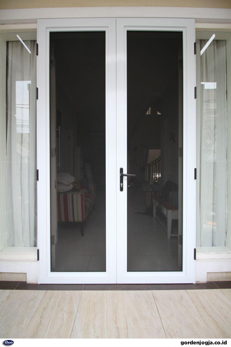 pintu baja ringan
