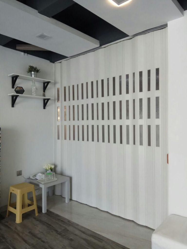 Lengkapi Rumah dengan Pembatas Ruangan Minimalis Modern PVC